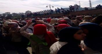 طلاب يتظاهرون في سراي القبة ضد الـ«10 درجات»: «عايزين طالب يبقى حمار»