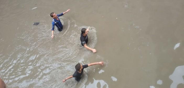 فلاش باك.. 35 صورة على «شارك» تحكي حال الإسكندرية وقت كارثة الأمطار 📷