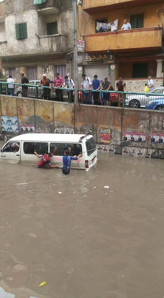 بالصور.. غرق نفق سيدي بشر في مياه الأمطار