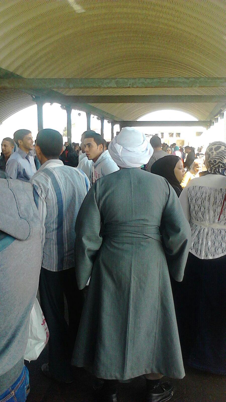 شلل في مواصلات الإسكندرية.. وتكدس في موقف سيدي بشر