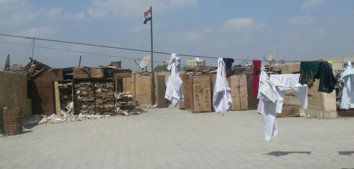 بالصور.. سطح محكمة مصر الجديدة يتحول لـ«منشر غسيل» يشاهده المحامون يوميًا 📷