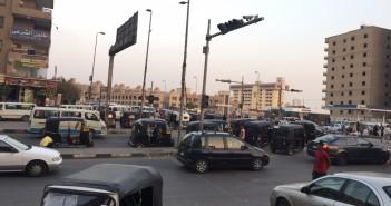 صور.. «التوك توك» يتحدى قرارات محافظ القاهرة.. ويتجول في مدينة نصر