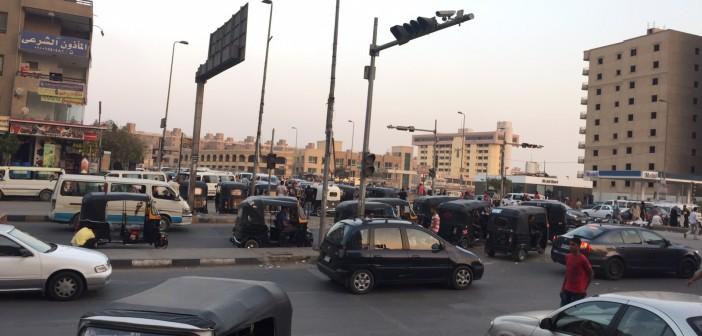 صور.. «التوك توك» يتحدى قرارات محافظ القاهرة.. ويتجول في مدينة نصر 📷