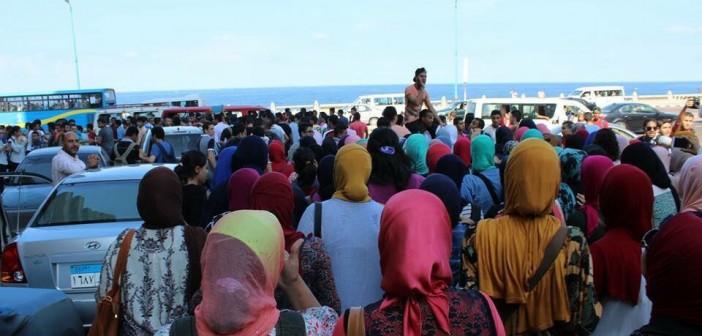بالصور.. مسيرة احتجاجية لطلاب الثانوية في الإسكندرية لرفض قرار الـ 10 درجات 📷