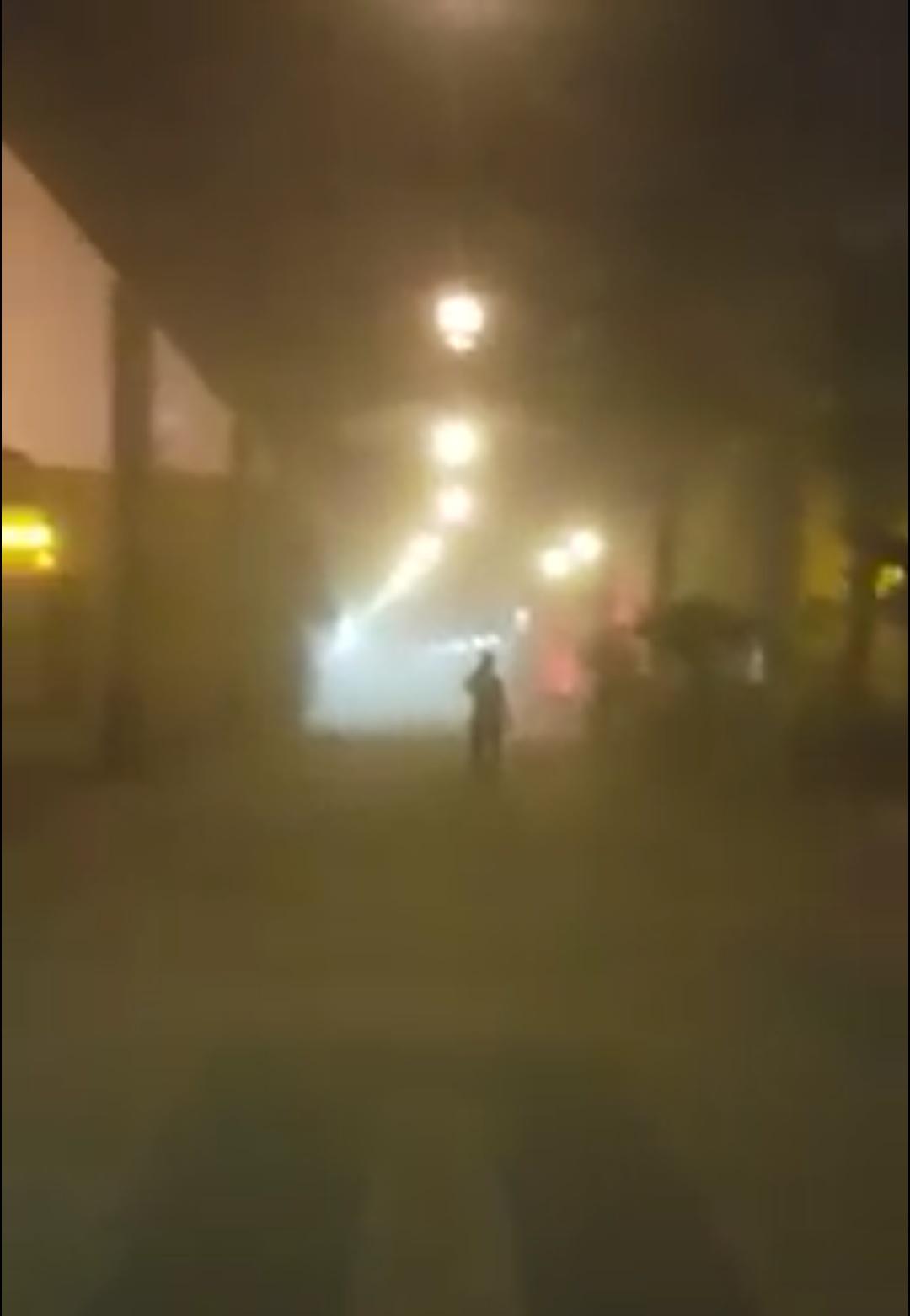 بالصور.. عاصفة رملية وسقوط أمطار في الكويت تزامنًا مع تصويت المصريين في الانتخابات