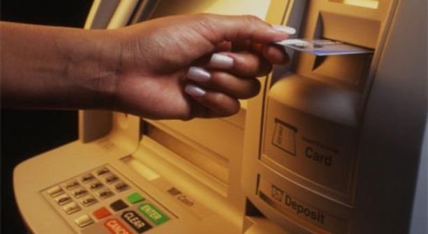 مسؤول بنكي: مشكلة ماكينات الصرف الآلي مُتكررة ويتم حلها في أيام