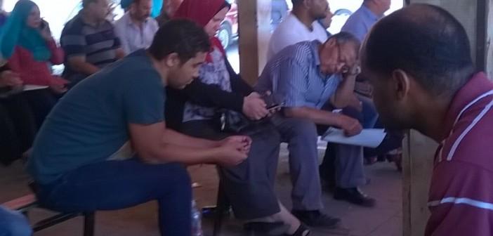 بالصور.. مواطنون يشكون معاناتهم في مرور السلام: «15 سنة من الفوضى» 📷