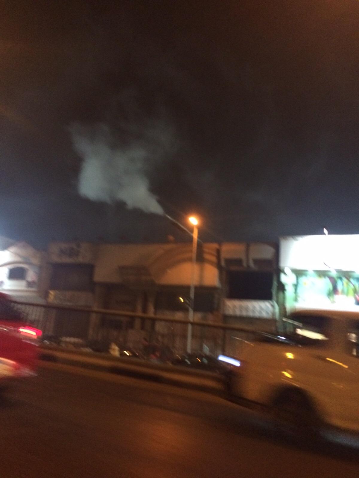 بالصور.. مدخنة لنادي الزمالك تلوث الهواء دون مراعاة للاعتبارات البيئية