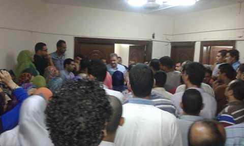 بالصور.. موظفو الأوقاف يتظاهرون احتجاجًا على قرار خصم 40% من رواتبهم