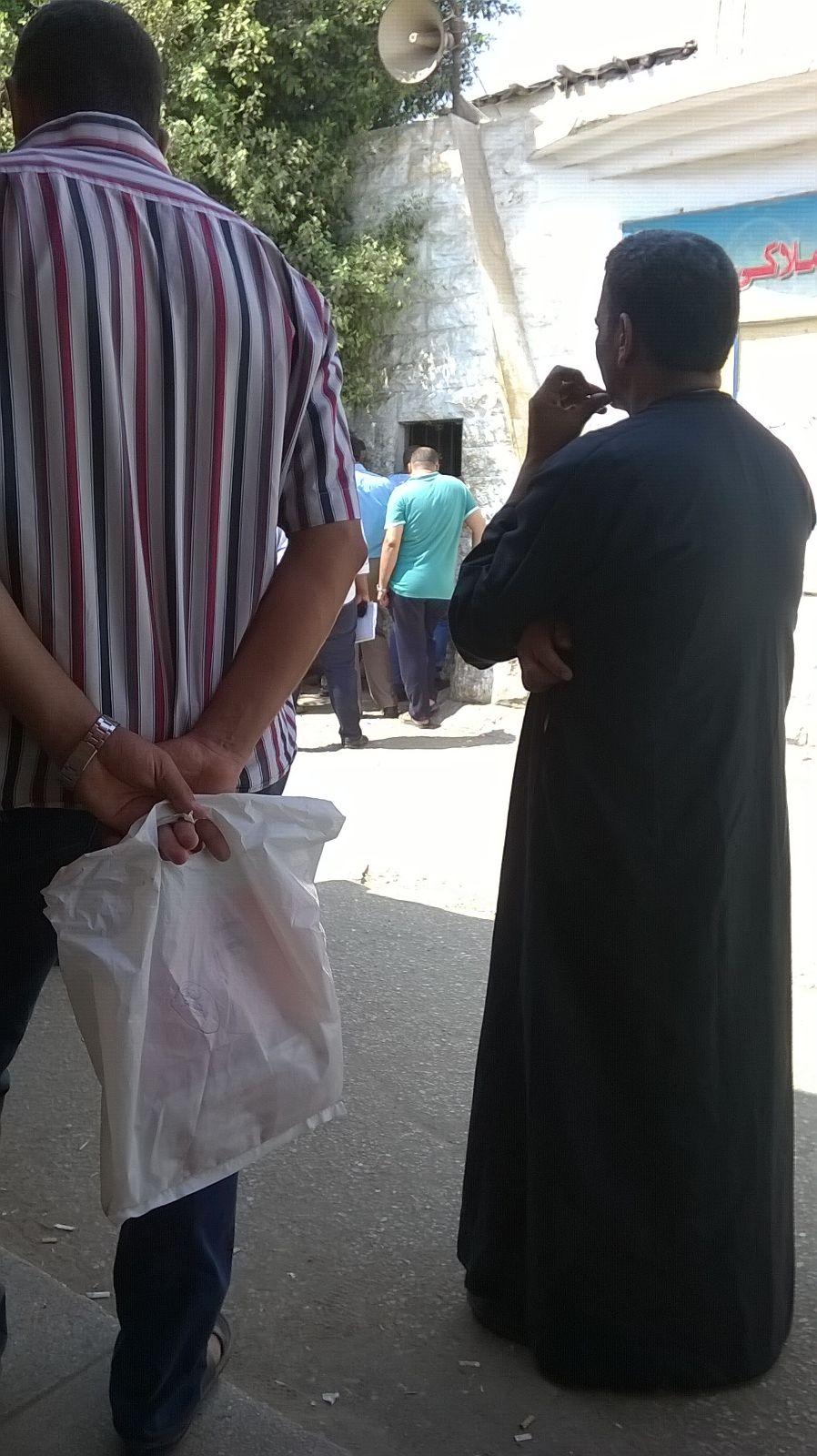 بالصور.. مواطنون يشكون «فوضى» مرور السلام: «15 سنة على هذا الوضع»