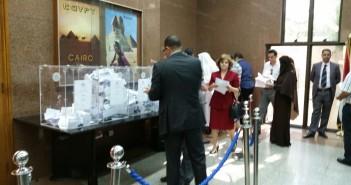 أجواء الانتخابات في قنصلية دبي في ثاني أيام تصويت المصريين بالخارج