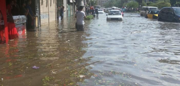 بالصور.. في المنشية المطر «للركب».. ومواطنون: «فين المحافظ والمسؤولين؟» 📷