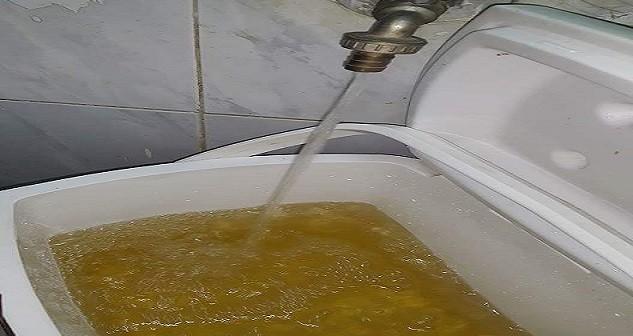 📷 مياه الشرب في الوراق تتحلى باللون الأصفر