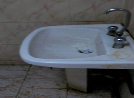بالفيديو.. لوزير الصحة: هذا شكل دورات المياه بـ«حميات أشمون» في المنوفية ▶
