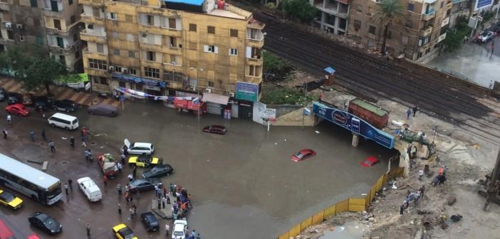 ⛅ 9 صور.. «كليوباترا» بحيرة عائمة للسيارات بعد سقوط الأمطار في الإسكندرية 📷