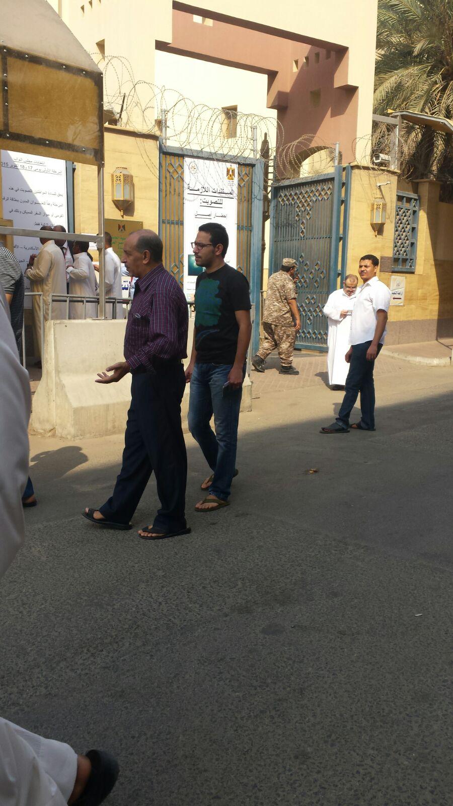 بالصور.. أولى ساعات تصويت المصريين بالخارج في الانتخابات بقنصيلة مصر بالسعودية