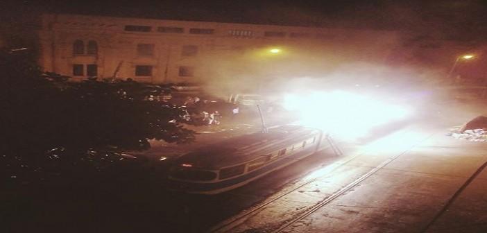 🔥🔥 بالفيديو.. ماس كهربي يشعل النار في «الترام كافيه» بالإسكندرية ▶