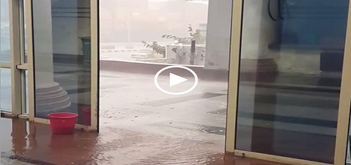 بالفيديو.. لحظة سقوط أمطار غزيرة وثلج في ميناء الإسكندرية ▶
