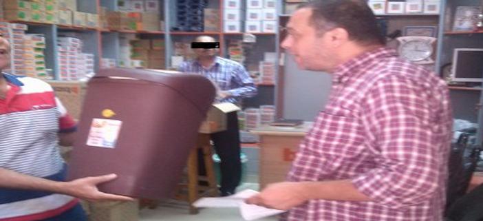 بالصور.. أصحاب محلات: حي الموسكي وقع غرامات بـ«الخطأ».. ومسؤول به قال «البلد عايزة فلوس» 📷