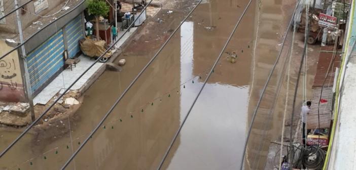 بالفيديو.. غرق شوارع في مياه الأمطار بالمنصورة ▶