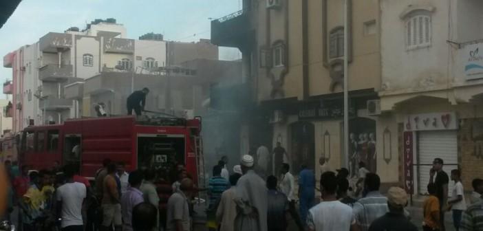بالصور والفيديو.. اندلاع حريق بمحل تجاري في «القصير» بالبحر الأحمر 📷 ▶