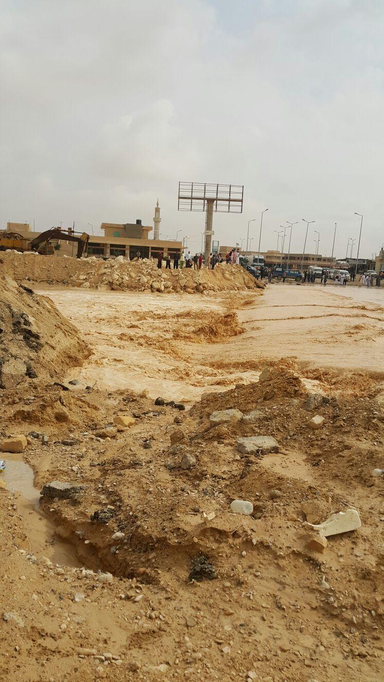 السيول تضرب وسط سيناء.. وتقطع 3 طرق رئيسية إلى نوبيع والعريش والسويس