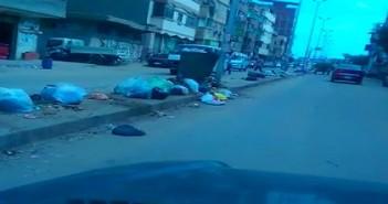 بالفيديو.. تراكم القمامة في الشارع الحربي أجدد شوارع دمياط