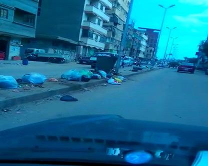 بالفيديو.. تراكم القمامة في الشارع الحربي أجدد شوارع دمياط ▶