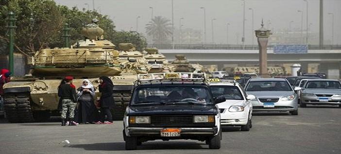 بالفيديو.. سائق تاكسي: معرفش المرشحين بس هأدي صوتي عشوائي ▶