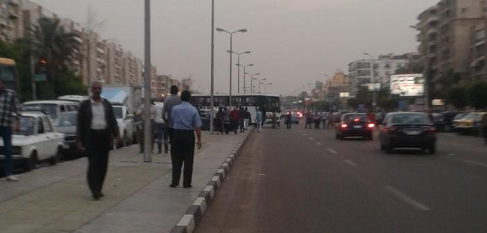 سقط المطر قرب مطار القاهرة فغابت الحكومة.. وتوقف المرور 📷