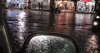 أمطار في حدائق الأهرام.. وتغرق شوارع دون صرفها