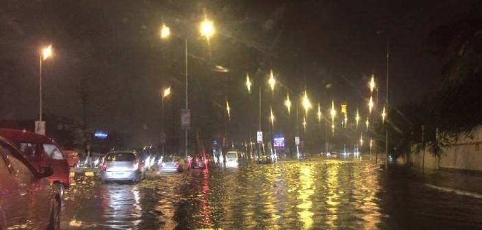 أمطار في الشيخ زايد.. وبطء في الحركة المرورية 📷