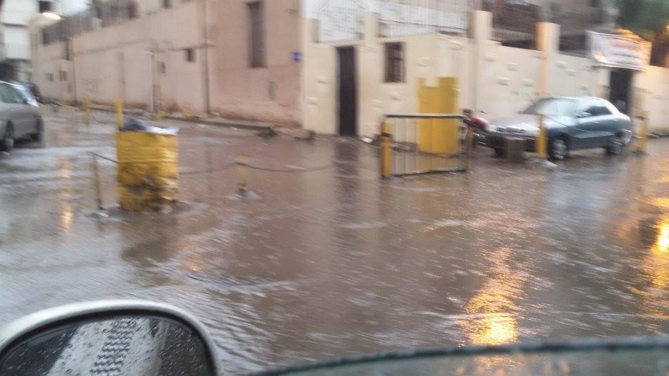 تجمعات للمياه بمحيط قسم الزيتون