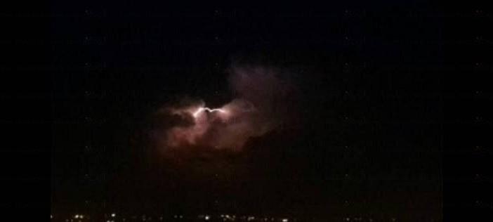 بالفيديو.. الإسكندرية من جديد.. أمطار وعواصف رعدية شديدة الليلة ▶