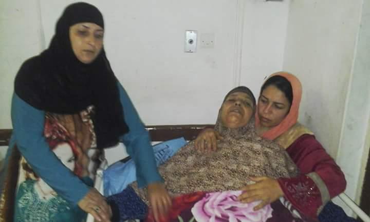 نقل عجوز مُصابة بكسر في الحوض على «ترولي» في المطر.. وتأجيل علاجها لـ 48 ساعة