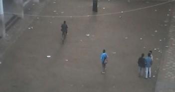 📷  مدرسون بجلابيب ودراجات وسيارات في إحدى مدارس أوسيم بالجيزة