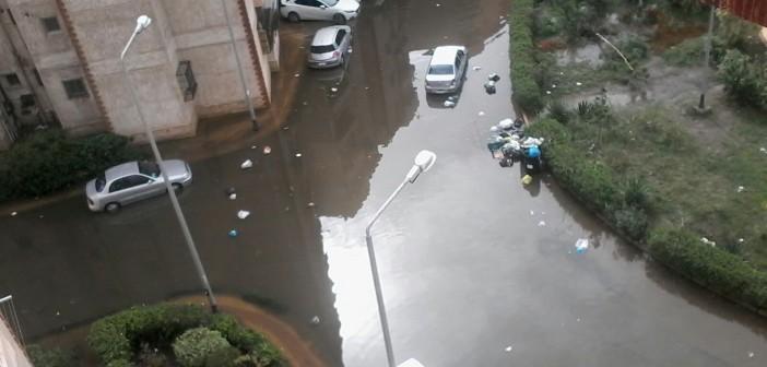 ▶| بالفيديو والصور.. غرق «مدينة الضباط» بالإسكندرية في مياه الصرف والأمطار