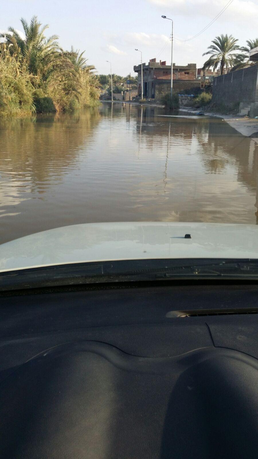 تواصل غرق مدينة إدكو في مياه الأمطار