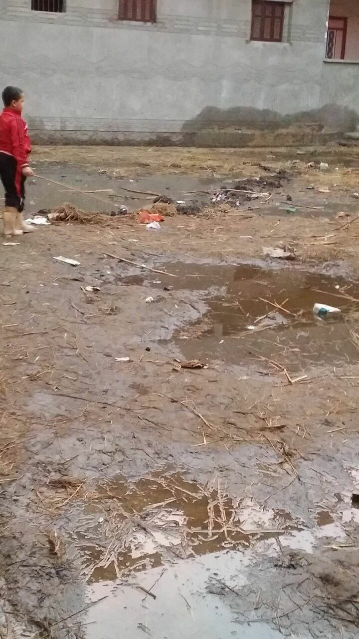 📷| «برمبال» تعاني من الشتاء الأخير.. والصرف يغمر الشوارع والمنازل