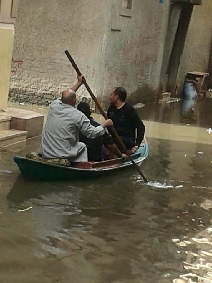 بالصور.. مراكب صيد وسيلة انتقال بمدينة إدكو بالبحيرة