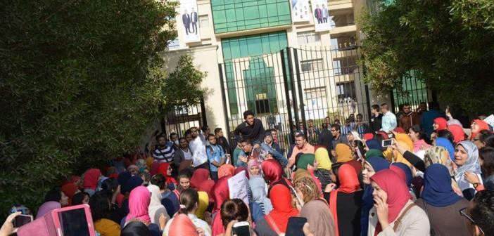 📷| طلاب جامعة النهضة ببني سويف في اعتصام مفتوح