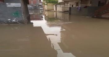 بالصور.. تواصل أزمة الأمطار والصرف بكفر الدوار
