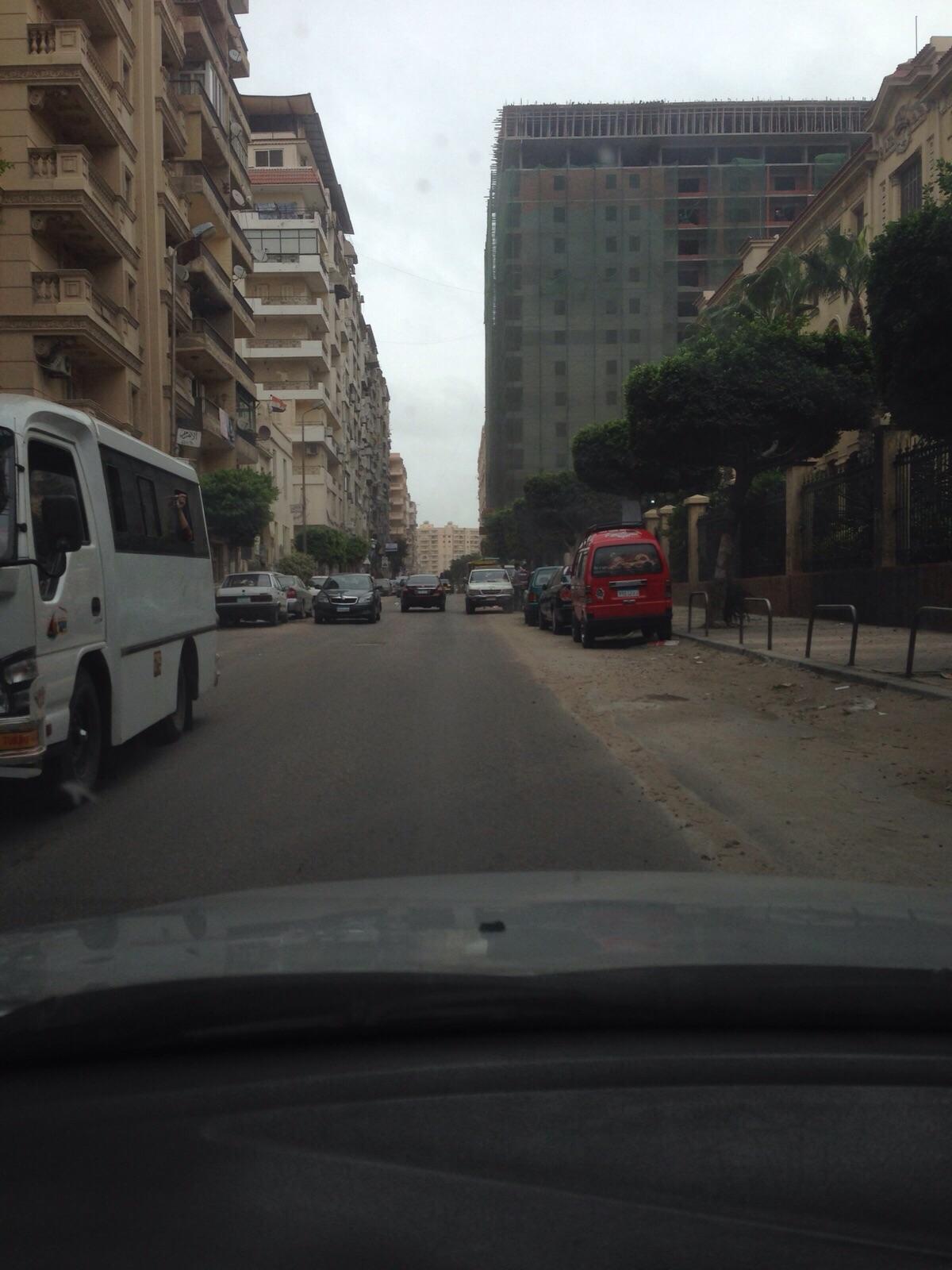 عقار مخالف بالإسكندرية.. المسموح 8 أدوار وصاحبه بنى 13