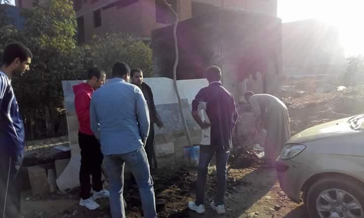 غاب المسؤولون فبادر شباب النزهة 2 بتشجير شوارعها