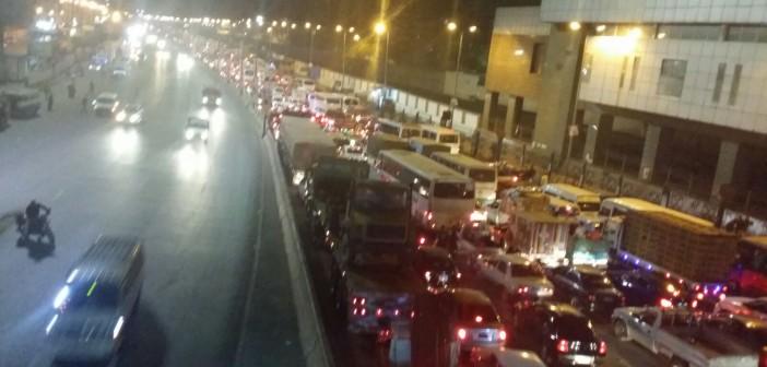 ⚠|بالصور.. شلل مروري على «القاهرة ـ الإسكندرية» الزراعي من شبرا لـ«الدائري»