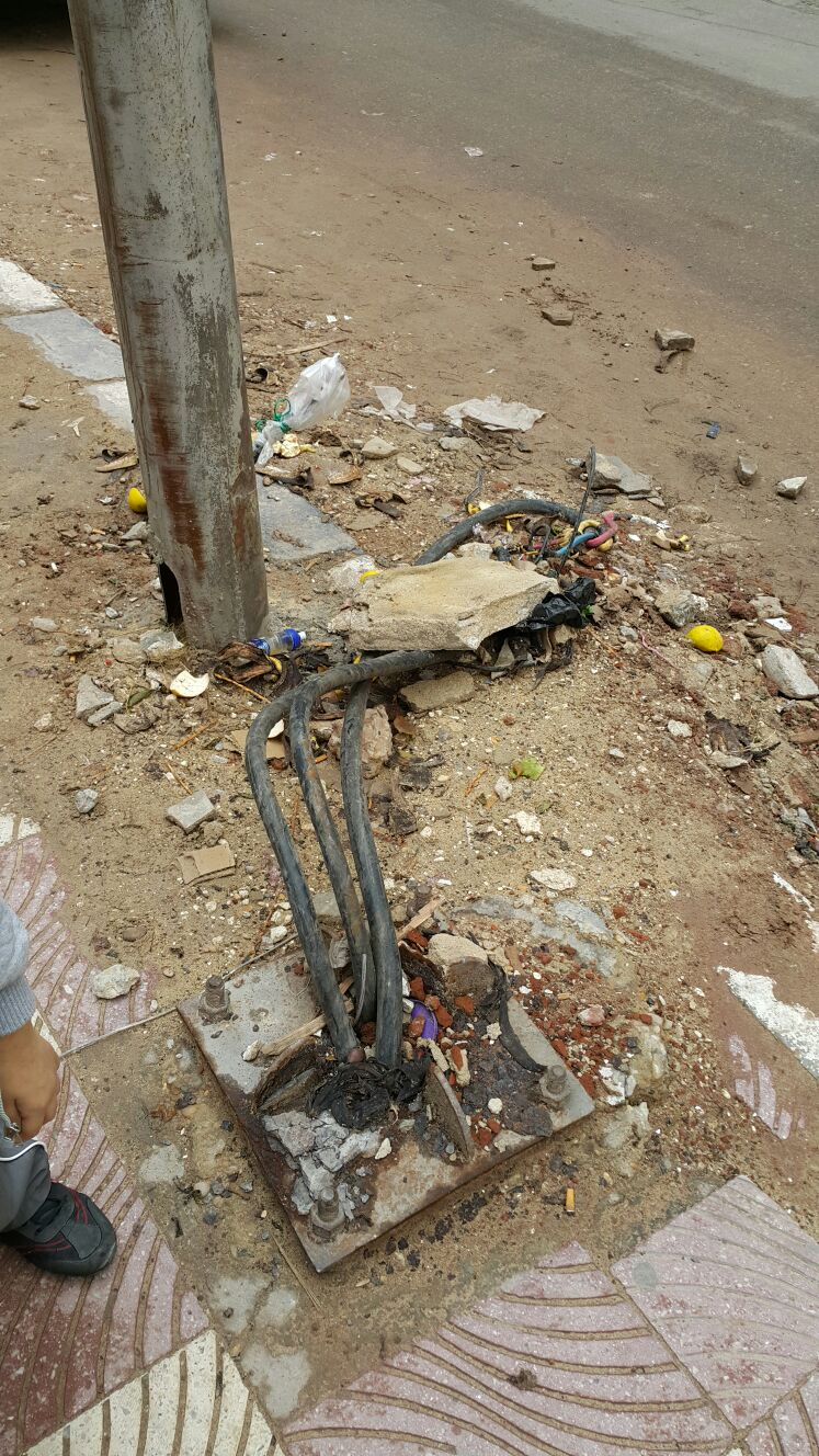 مواطنون يحذرون من أسلاك كهرباء عارية في خالد بن الوليد بالإسكندرية