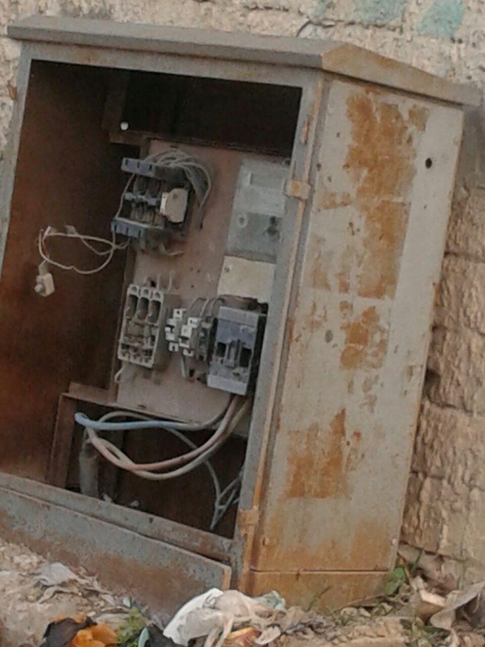 لوحات كهرباء مفتوحة تهدد حياة المواطنين