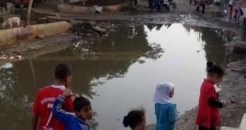 أرشيفية ـ طفح الصرف الصحي في إحدى قرى الجيزة دون حل
