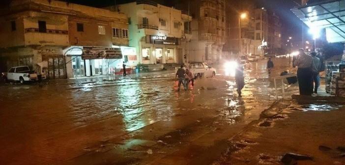 بالصور.. هكذا كان ليل العريش.. شوارع غارقة في الأمطار.. واستغاثات دون استجابة