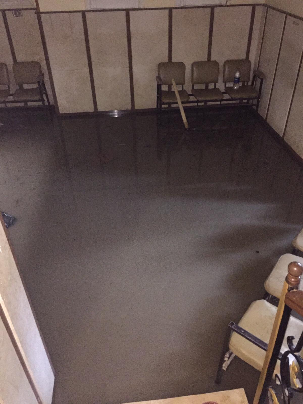 الأمطار تقتحم غرف المرضى في مستشفى بكوم حمادة في البحيرة
